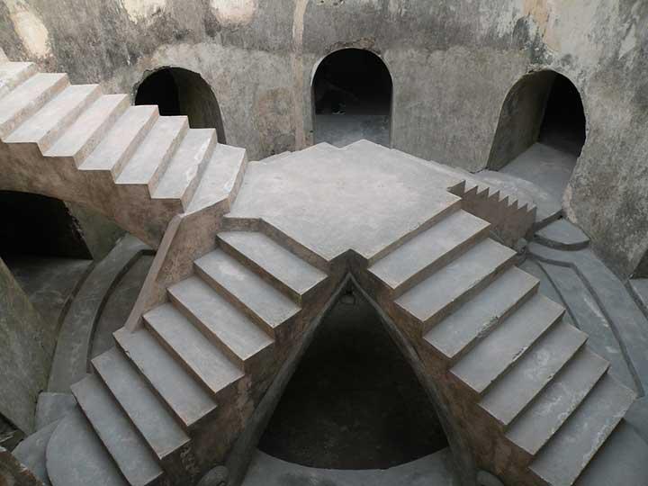 Masjid Bawah Tanah Taman Sari
